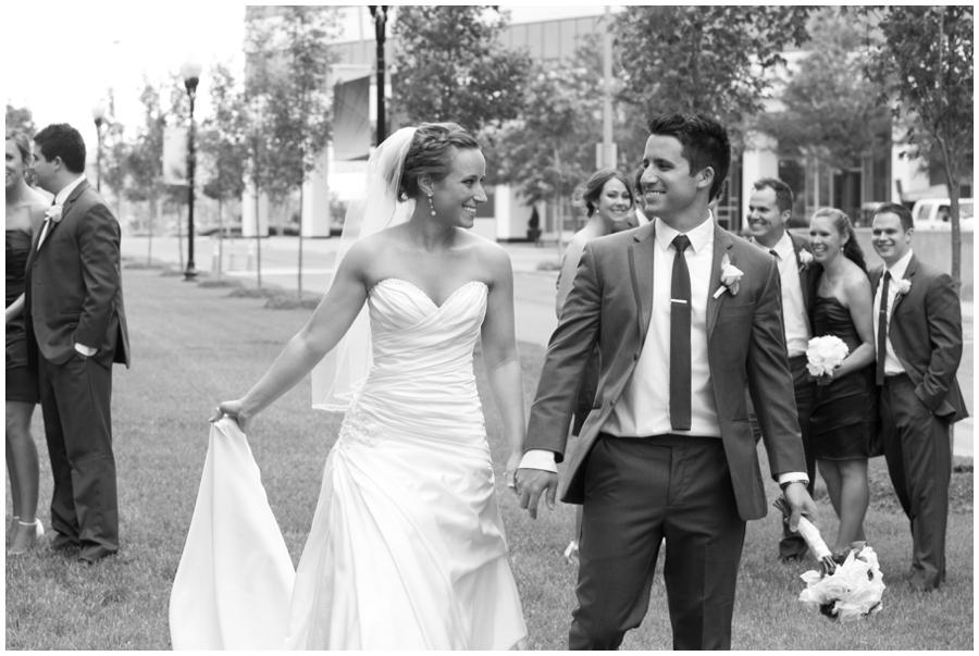 Arlington Renaissance Wedding Photograph - DC Capitol View Wedding Party
