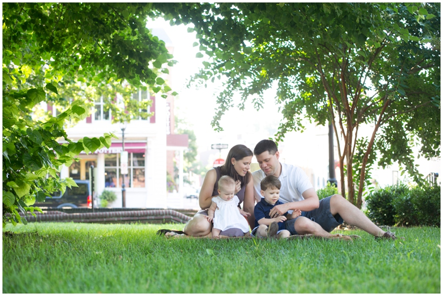 Annapolis Family Portrait - Maryland State House Family Session
