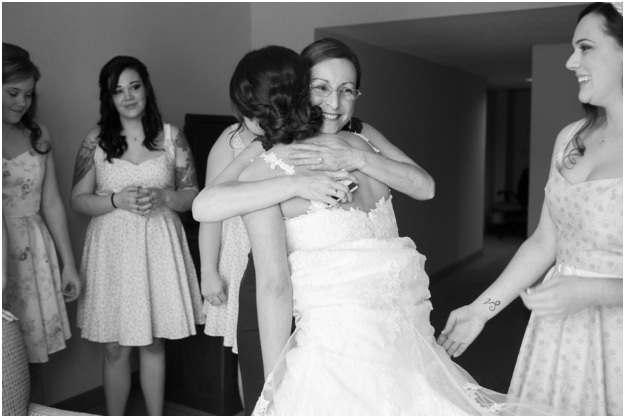 Sheraton Hunt Valley Wedding Photographer - Getting Ready Mother & Daughter