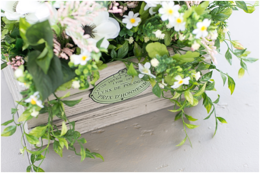 Hunt Valley Wedding Photographer - Oregon Ridge Lodge DIY Ceremony decor