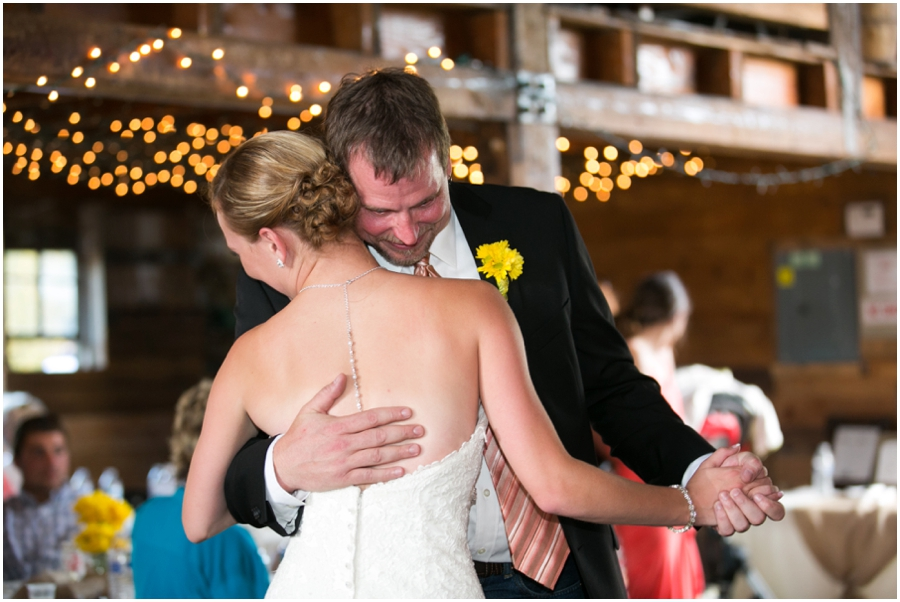 Seattle Destination Wedding Photographer - Wine and Roses Country Estate Barn Reception