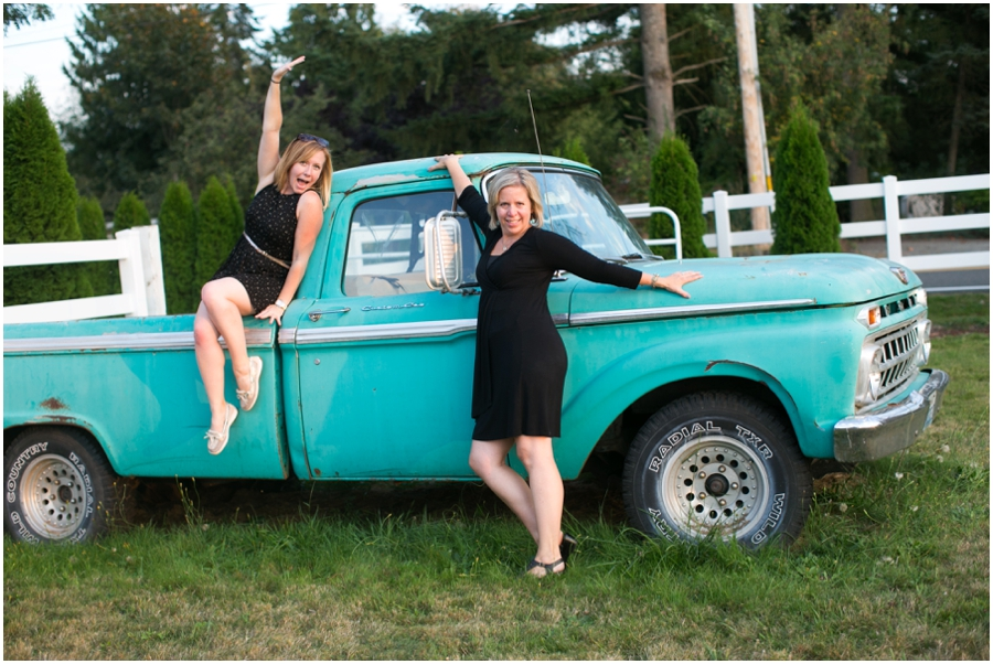 Mint Vintage Truck - Seattle Destination Wedding Photographer - Wine and Roses Country Estate Wedding