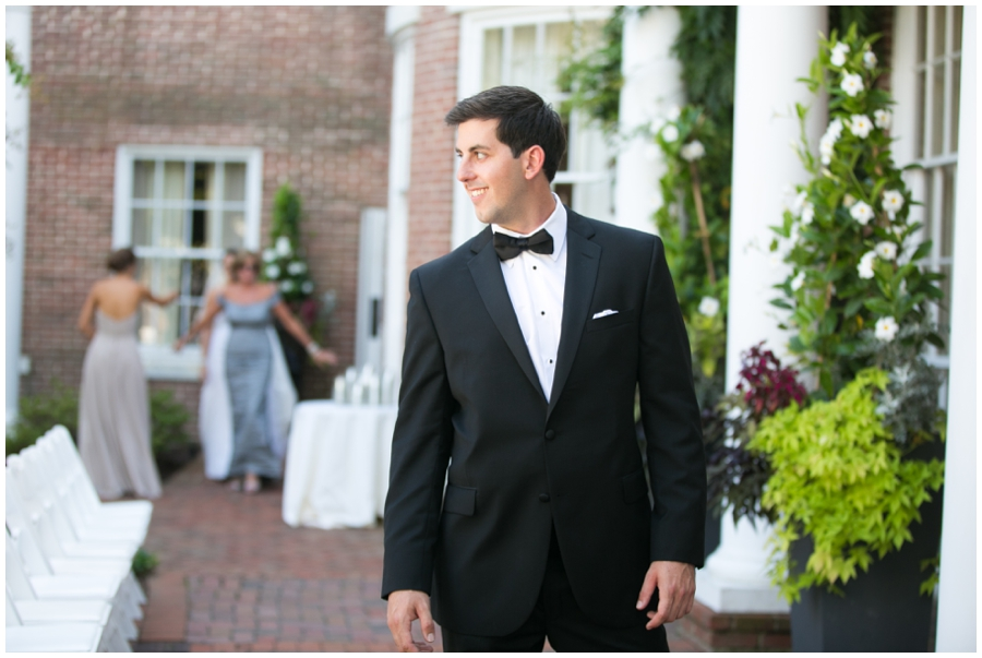 Tidewater Inn First Look - Eastern Shore Wedding Photographer
