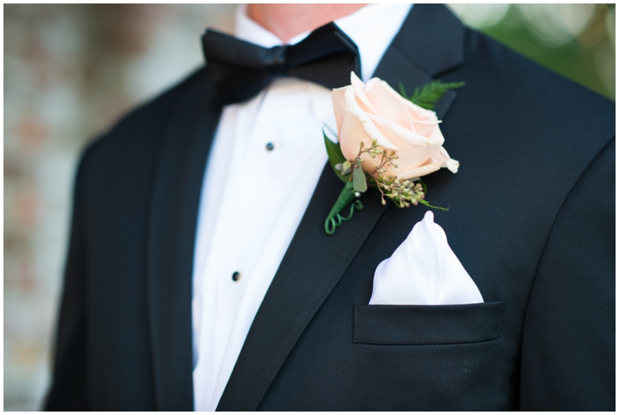 Chic Tidewater Inn Details - Eastern Shore Wedding Photographer