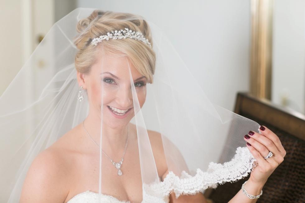 Tidewater Inn wedding photography - Casablanca Bridal