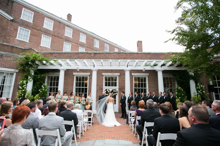 Tidewater Inn Outdoor Wedding Ceremony Photographs