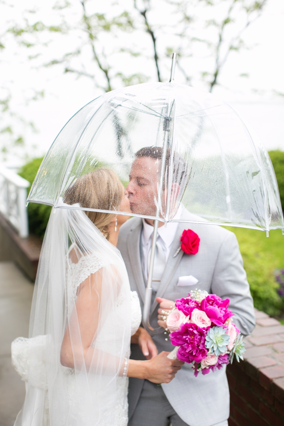 Philadelphia wedding photography - Chesapeake Bay Beach Club rainy wedding photographs