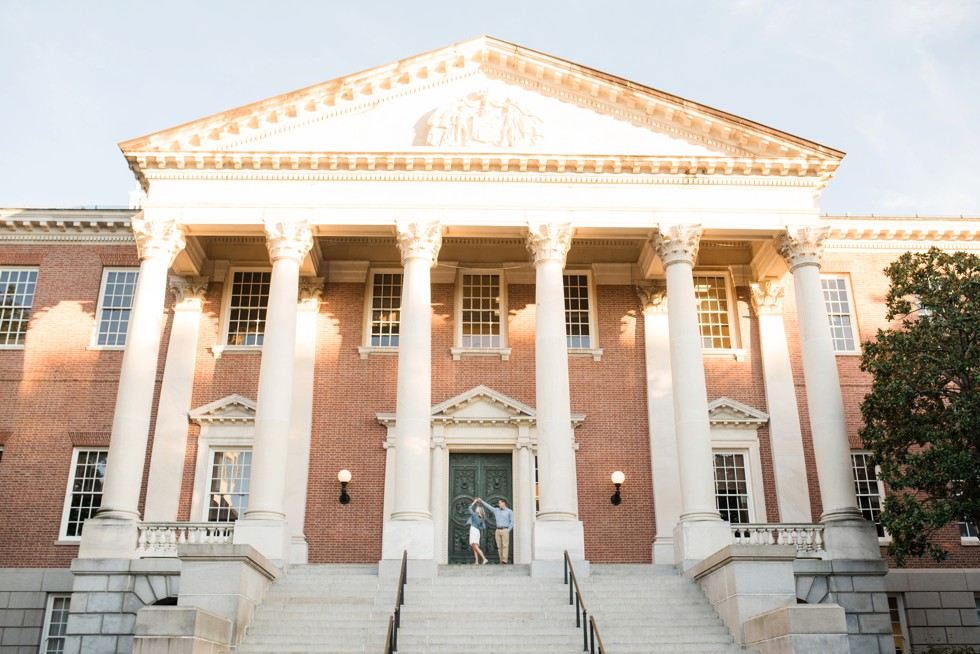 engagement photos at the Maryland State House