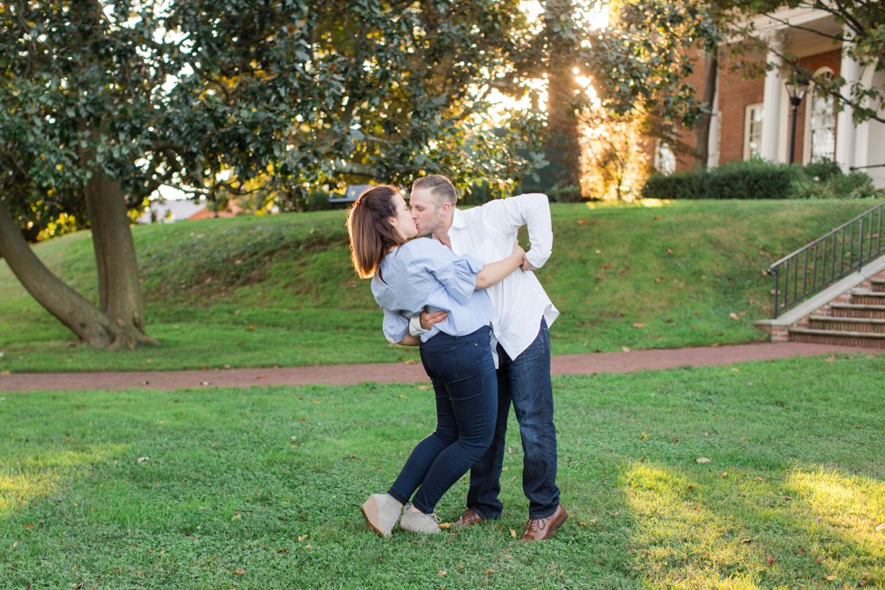 Engagement Photos in the fall at the Maryland State House