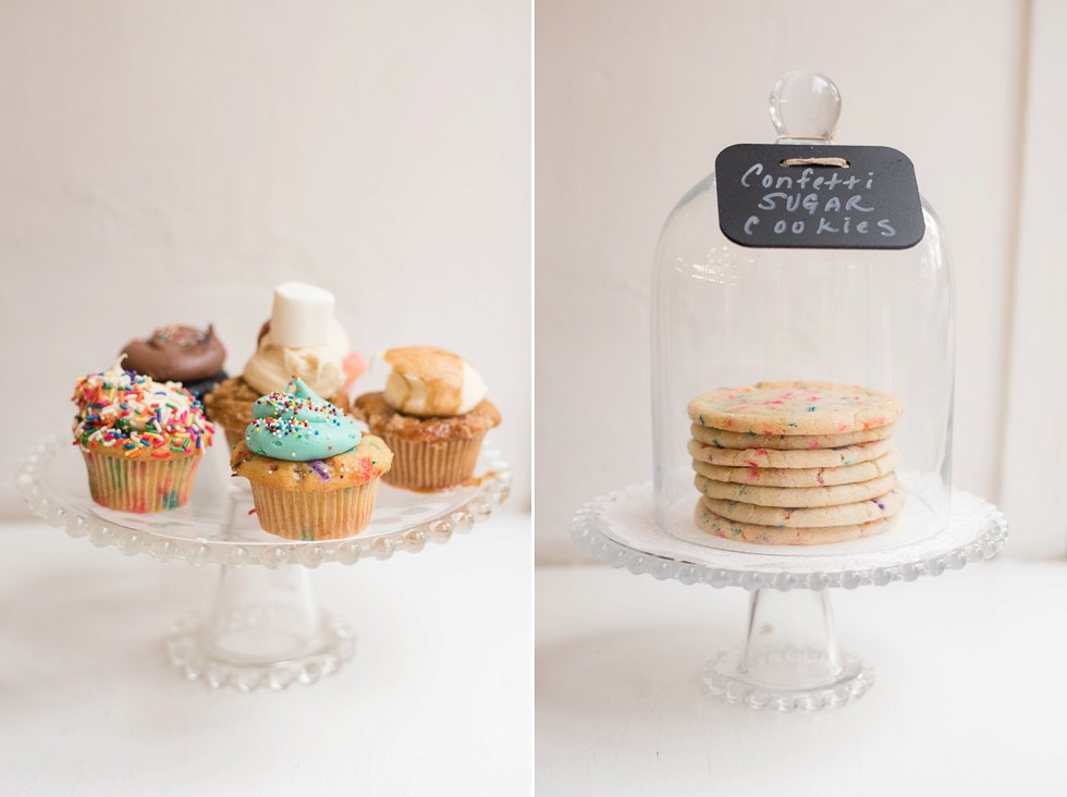 wedding cupcake and cookie display