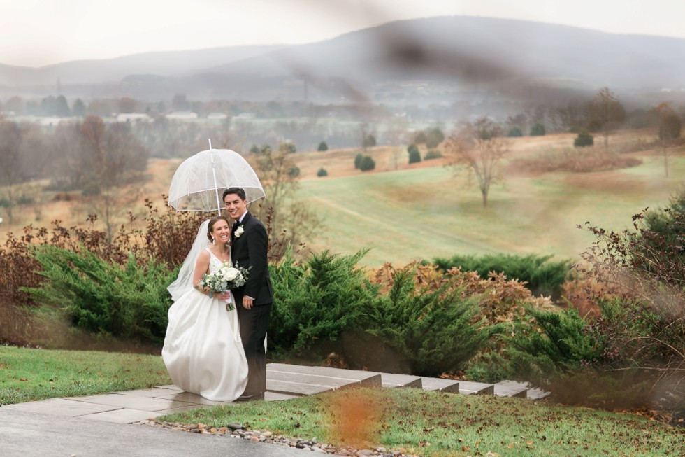 rainy winter wedding on mountain in Frederick