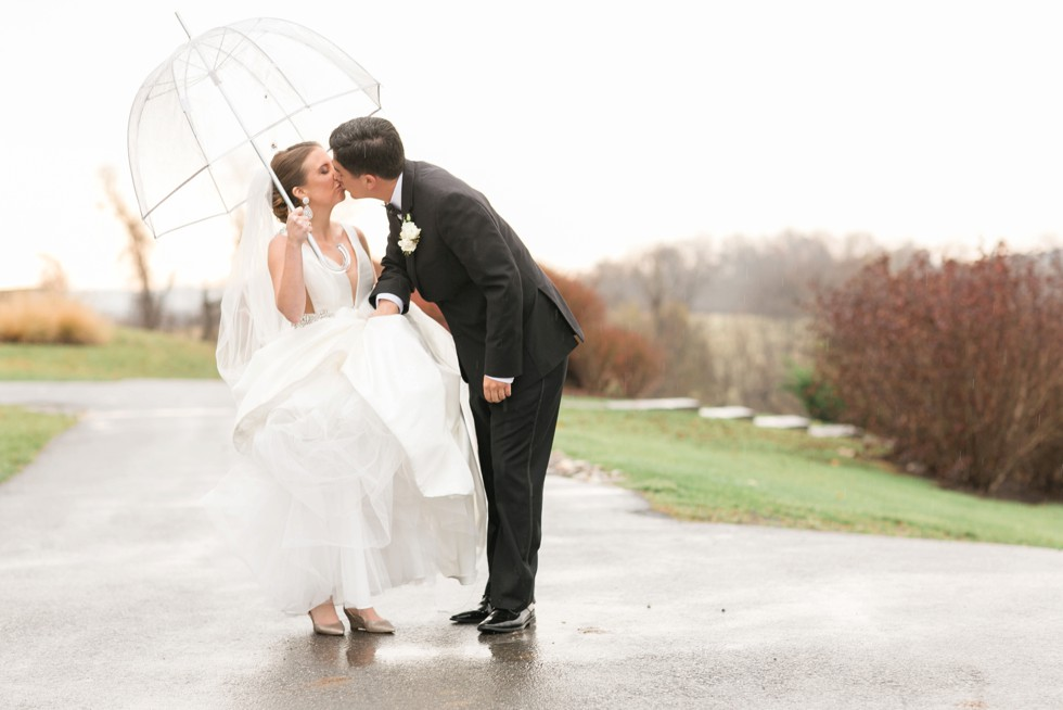 rainy winter mountain wedding in Frederick