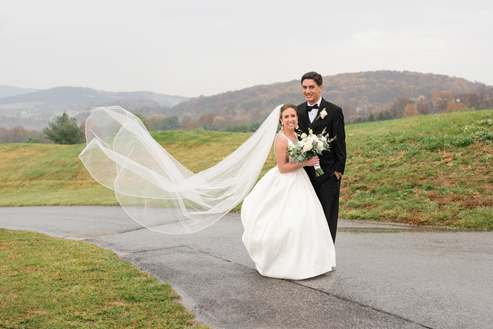 Musket Ridge Golf Club mountain wedding couple