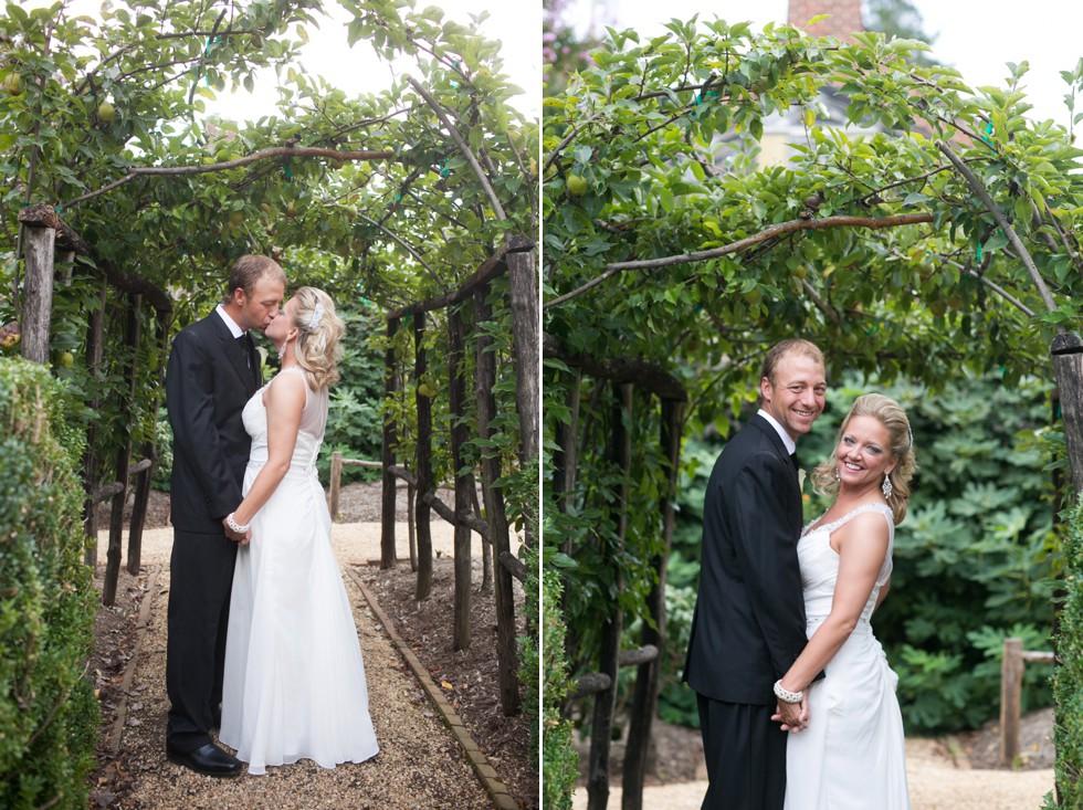 William paca garden wedding photos