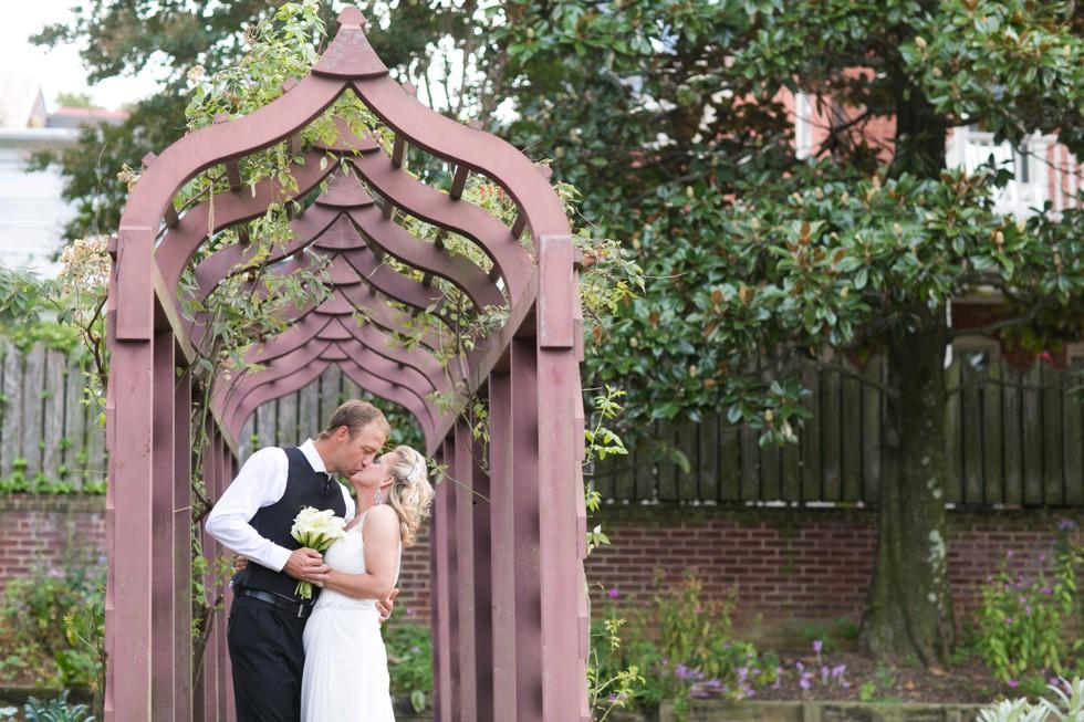 William paca garden bride and groom