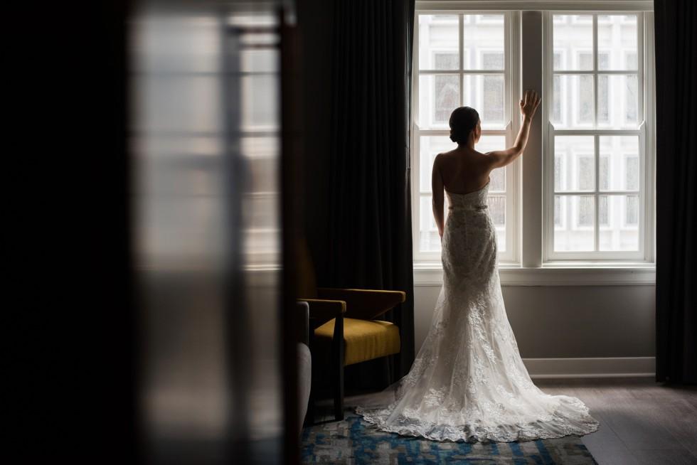 bride getting ready at Le Meridien