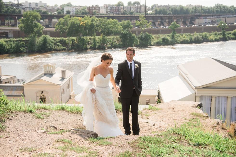 Philadelphia Museum of Art wedding couple photos overlooking Waterworks Cescaphe
