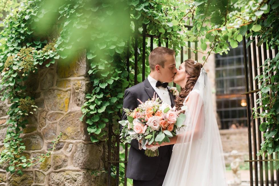 Holly Hedge estate New Hope PA wedding photo