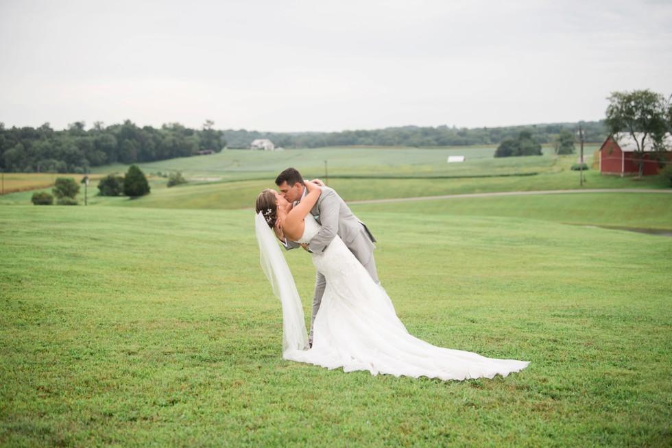 Friendly Farm wedding photos
