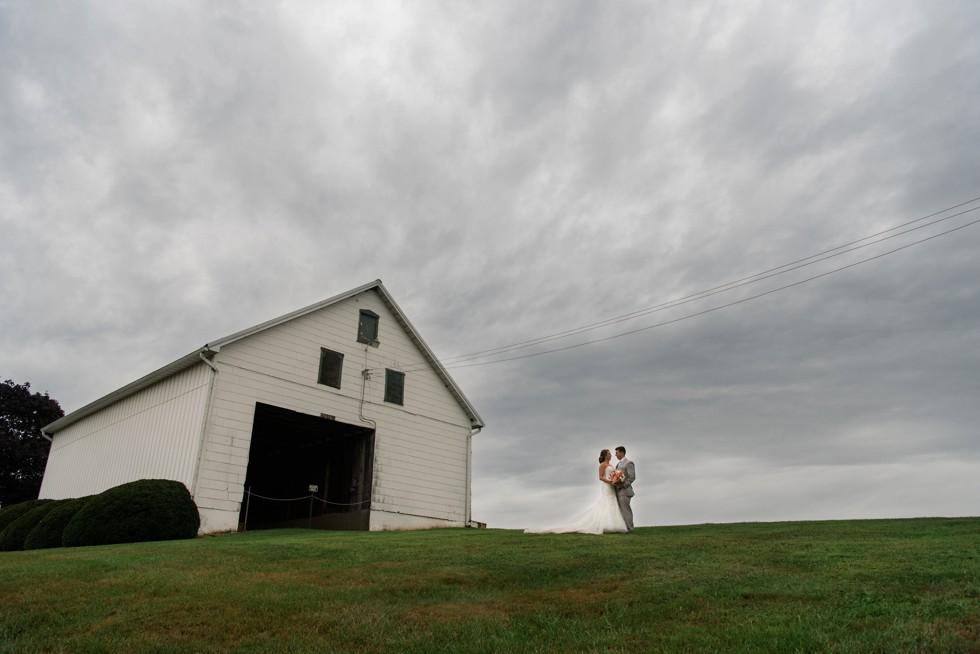 Friendly Farm restaurant wedding sky