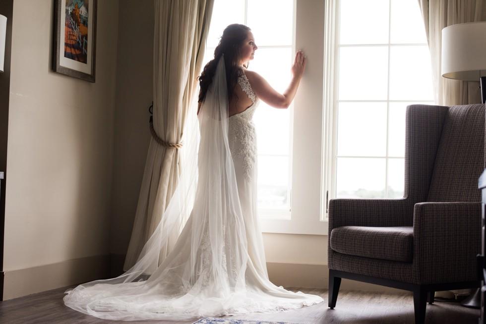 bride getting ready at The Inn at the Chesapeake Bay Beach club