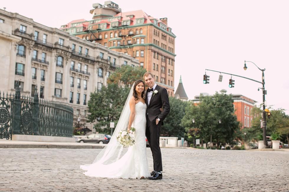 Mount Vernon Baltimore bride and groom wedding photos