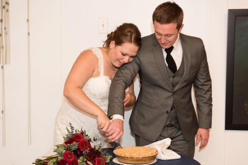 wedding pie cutting