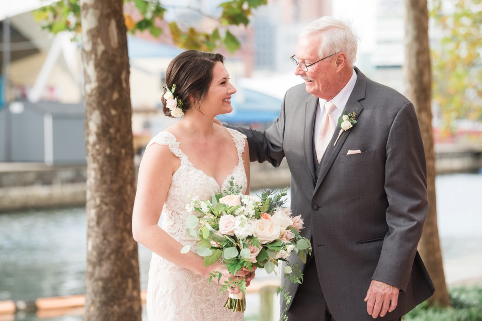 Baltimore Marriott waterfront wedding family photos
