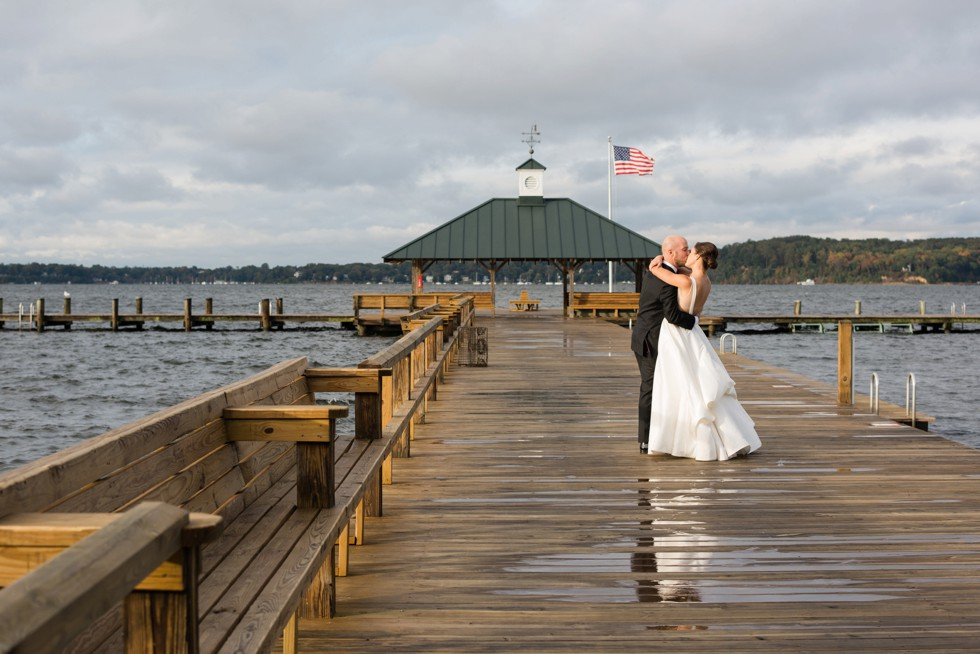 Sherwood Forest Clubhouse waterfront Wedding photos