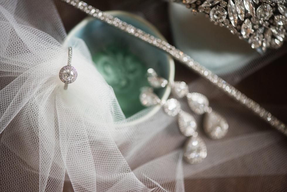 Hampton Inn & Suites bride getting ready Washington DC
