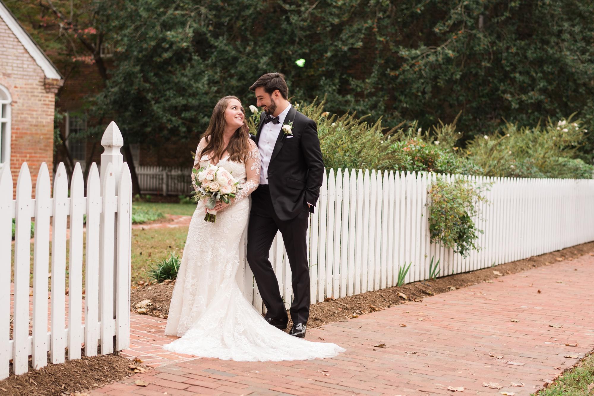 Tidewater Inn wedding white picket fence