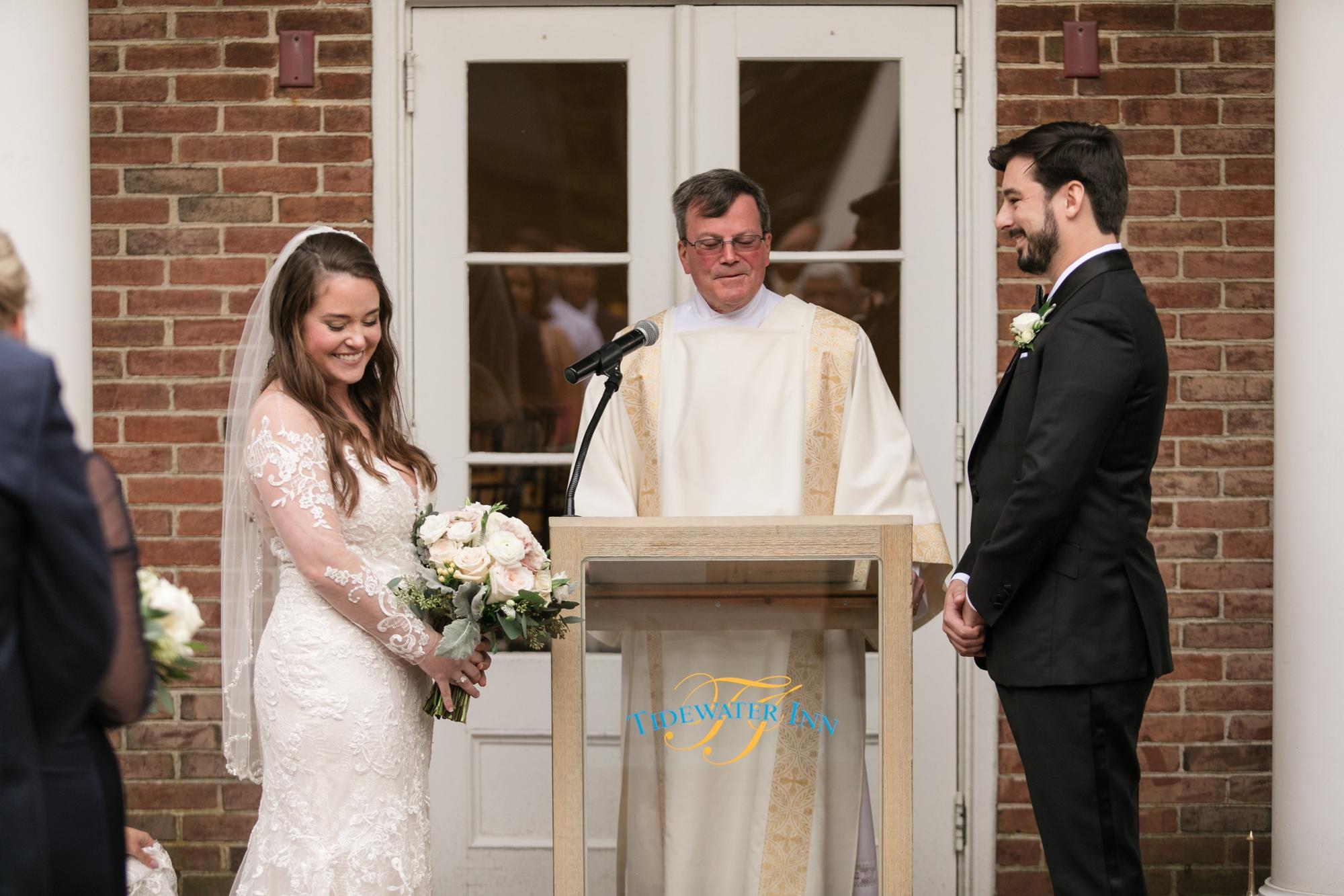 The Tidewater Inn Courtyard wedding ceremony