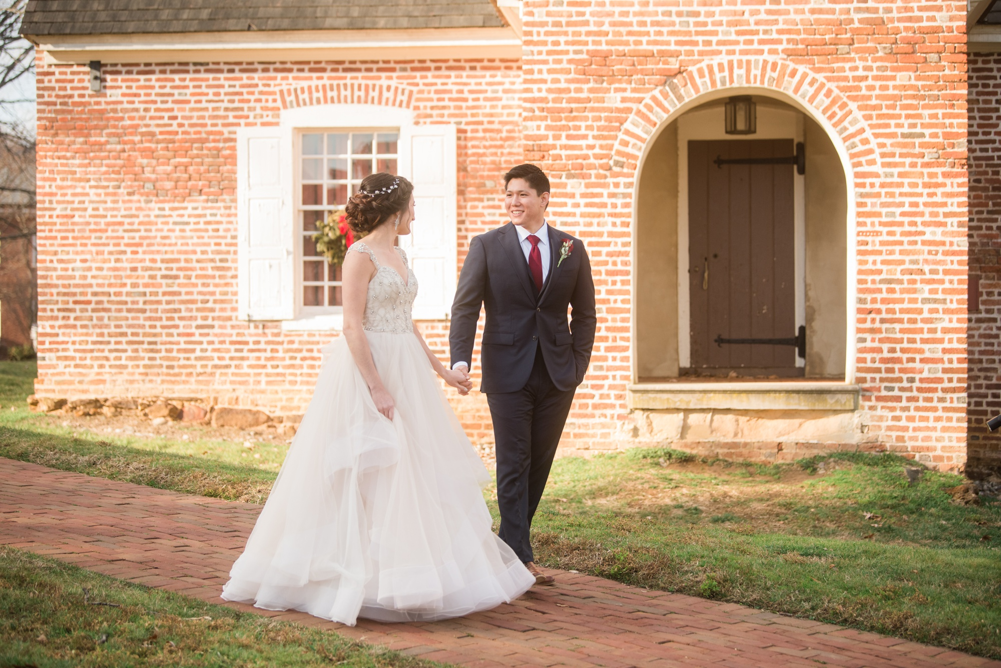 Annapolis wedding couple photos at Maryland State House