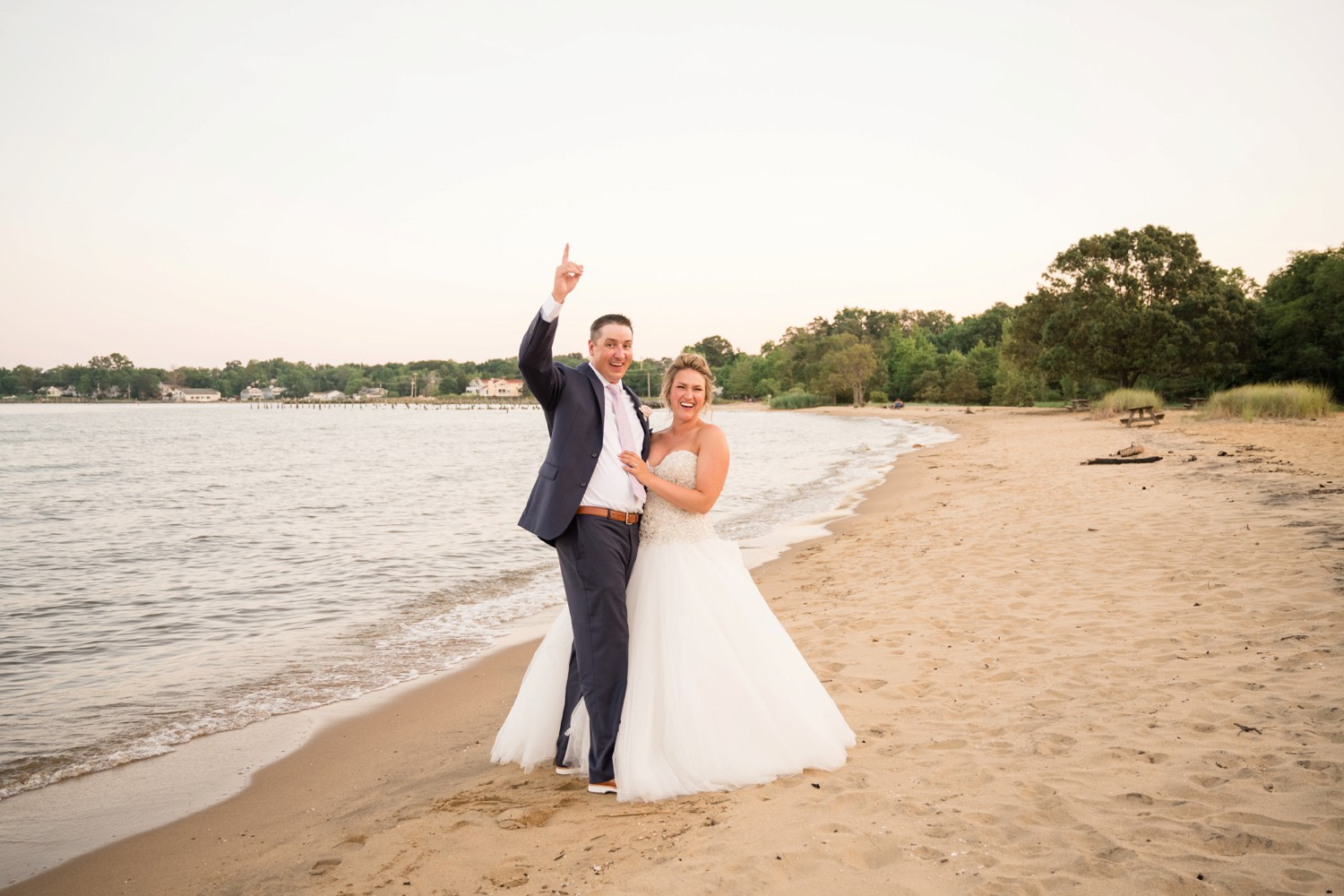 Annapolis newlyweds on the beach