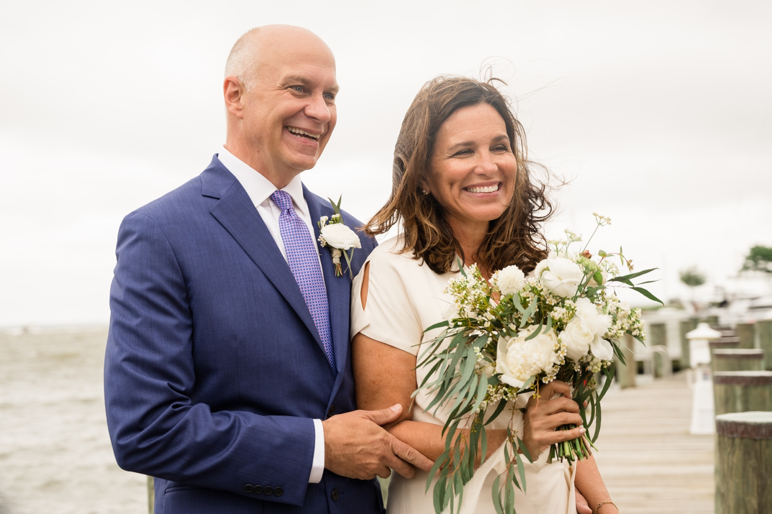 Chesapeake Bay micro wedding outdoor ceremony on the Severn River