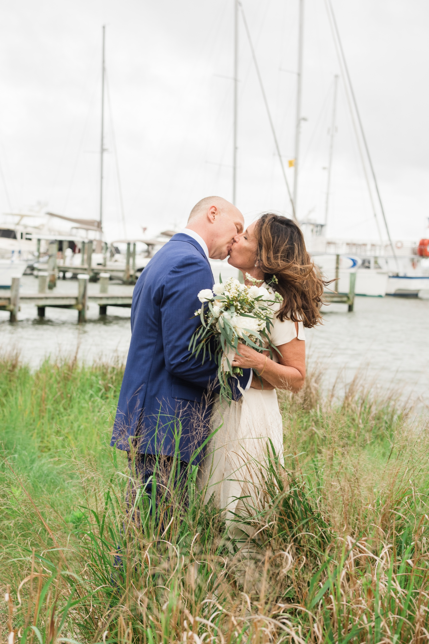 Annapolis Maritime Museum newlywed photo on the Bay