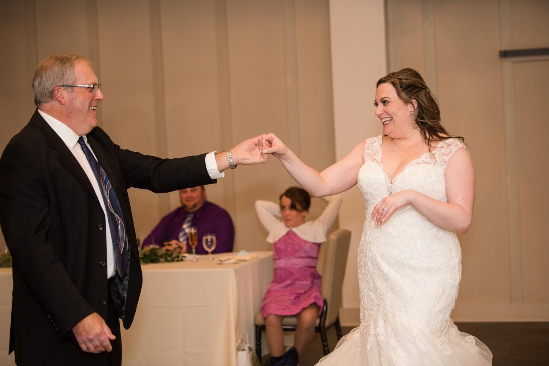 micro wedding Father daughter dance