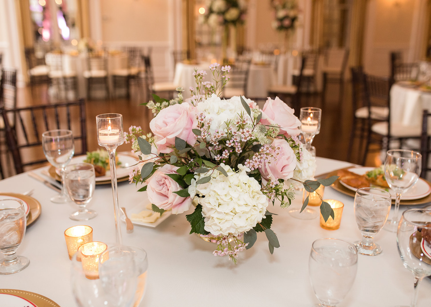 wedding recpetion decorations at the Elkridge country club