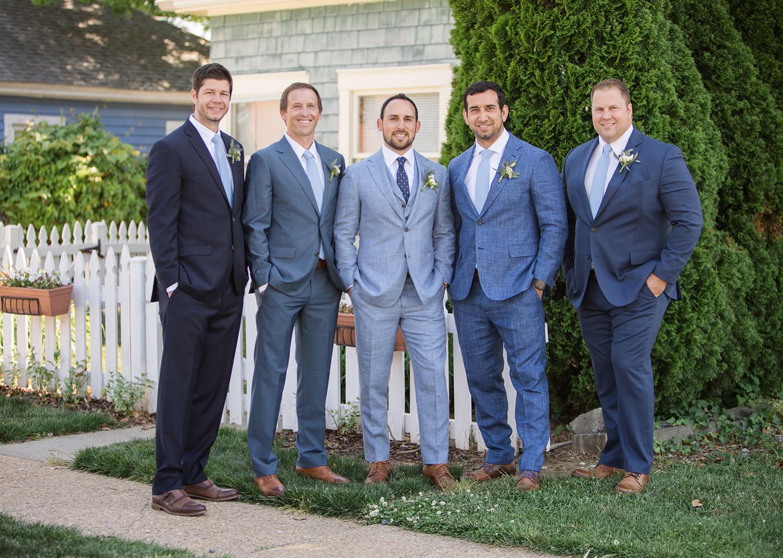 groom and groomsmen outdoor photos