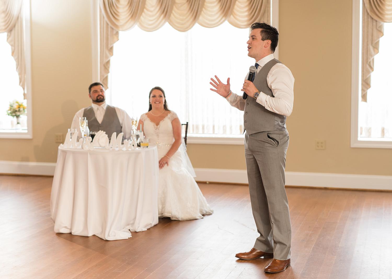 best man giving the wedding speech